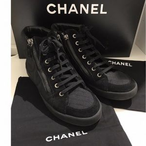 ✨HOST PICK✨Chanel High Top Sneakers